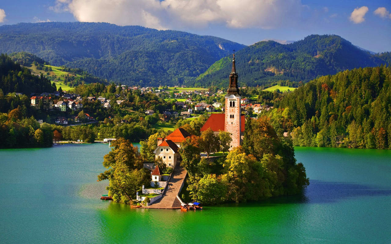 Slovenia-Bled-Castle